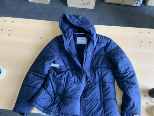 Amazon Essentials Women's Hooded Puffer Size F4